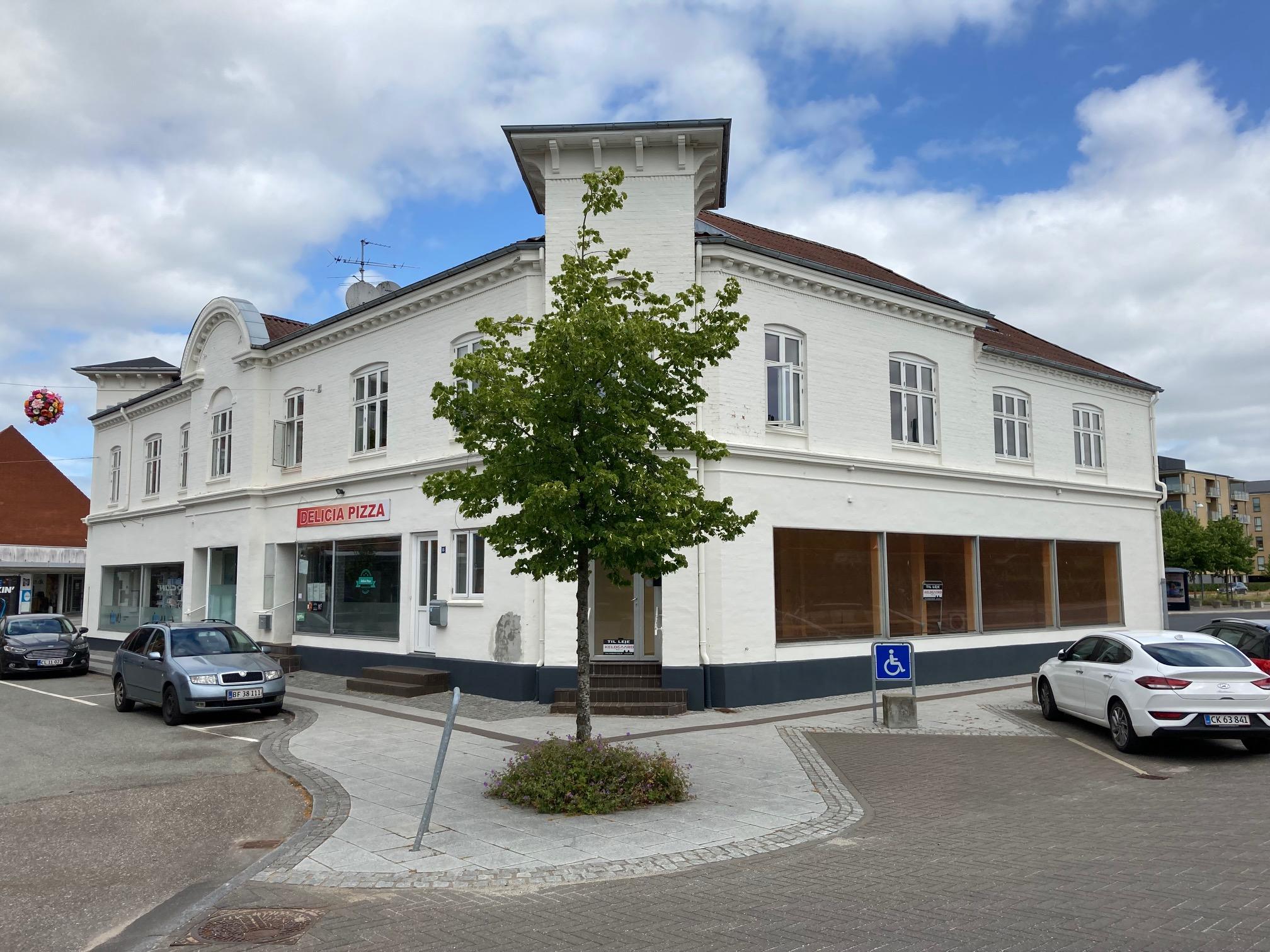 94 m² butik/kontor med 50m² lager